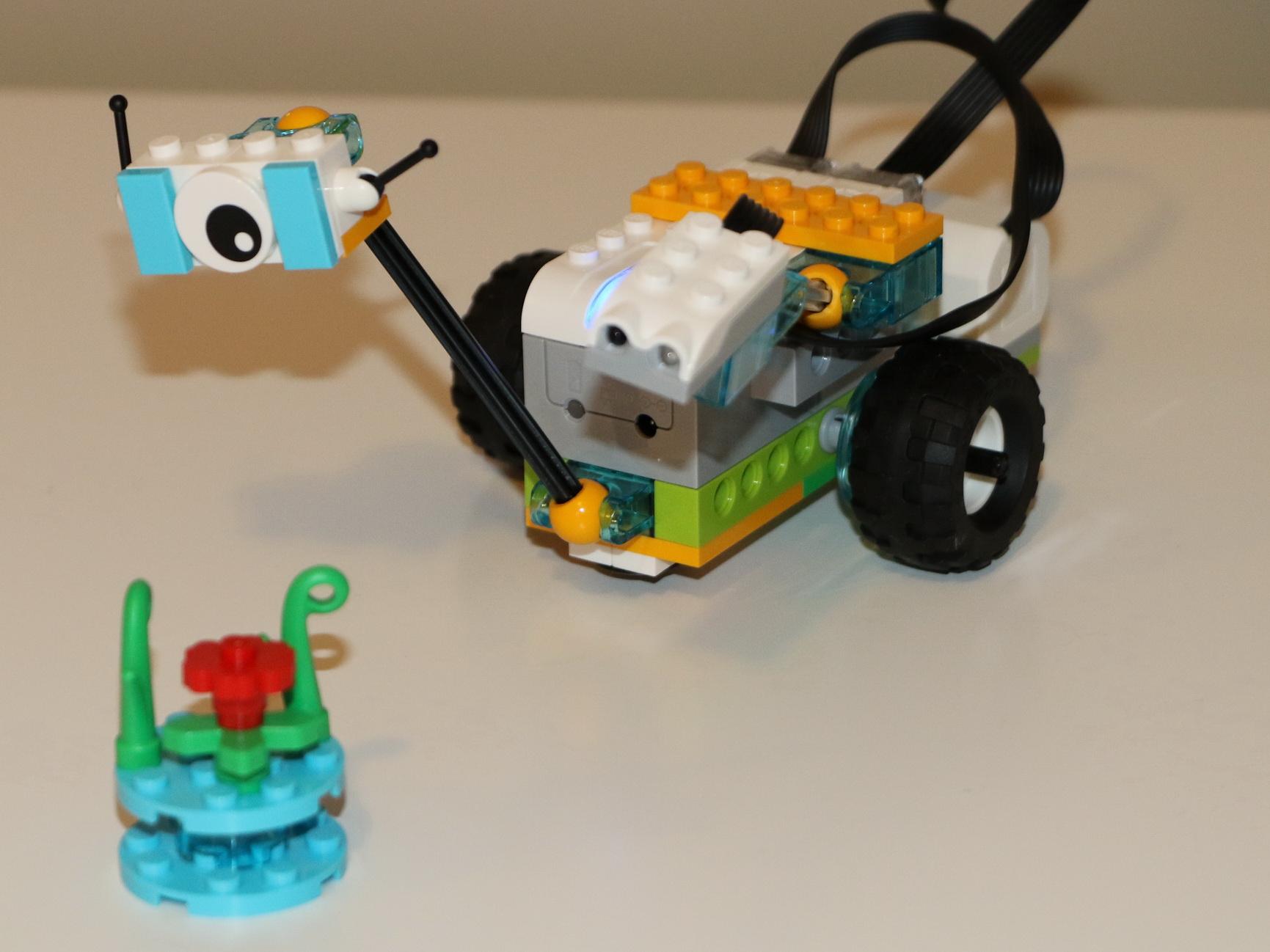A Robot that we make in Beta Botz