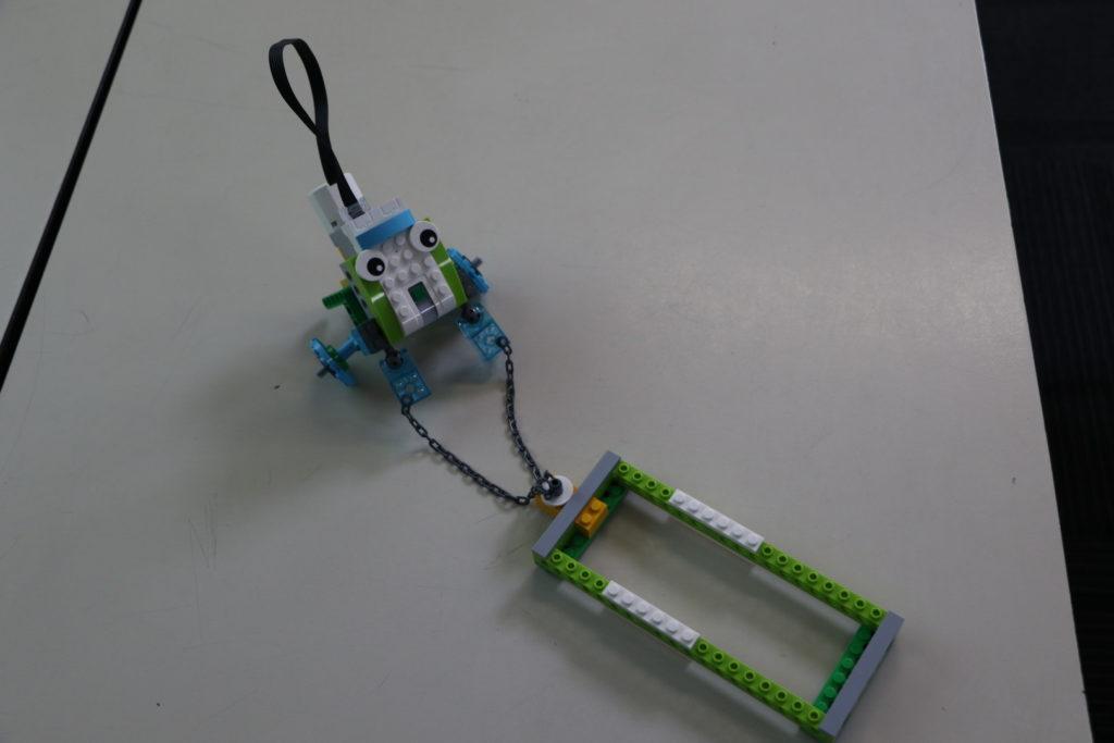 Assembling Pull-Robot 4